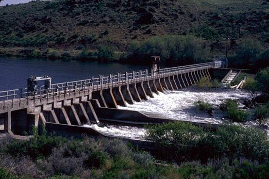 Link river dam at the outfall of upper klamath lake. photo by oregon